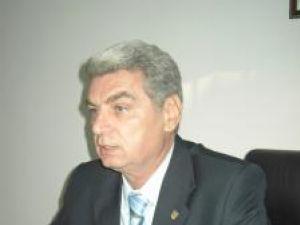 Constantin Gheorghe, fost arbitru internaţional, în prezent secretar adjunct al Senatului