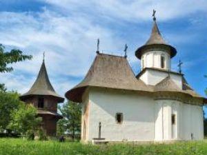 Biserica din Pătrăuţi. Foto: Petru PALAMAR