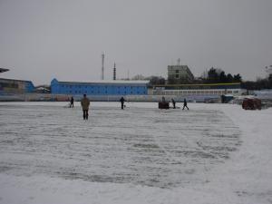 La stadionul Areni s-a lucrat toată ziua de ieri pentru îndepărtarea zăpezii