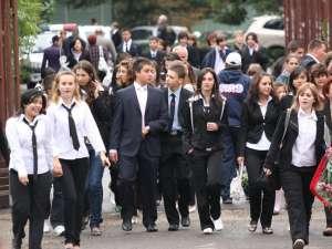 Elevii vor fi evaluaţi la toate disciplinele după două săptămâni de recapitulare. Foto: MEDIAFAX