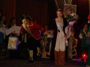 Sorin Dobrincu şi Loredana Costea, Mister şi Miss Boboc. Foto: Andrei ANCHIDIN