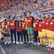 Ghiţă Păcurariu, flancat de Costel Pantilimon şi Gigel Bucur, înaintea partidei cu Franţa de pe National Arena