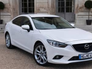 Noua Mazda6 atacă rivalii germani
