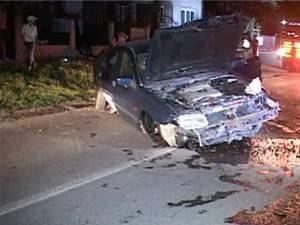 Autoturismul Volvo a fost grav avariat