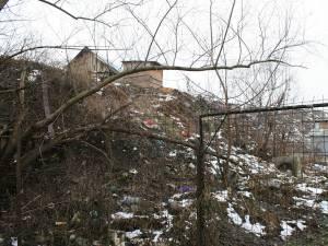 Aşa arată locul în care trăiesc ţiganii, vecinii familiei Cimpoeşu