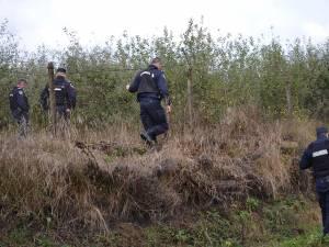 Jandarmii au periat atent zona unde s-a produs crima, dar cuţitul folosit pentru înjunghierea lui Iulian nu a fost încă găsit