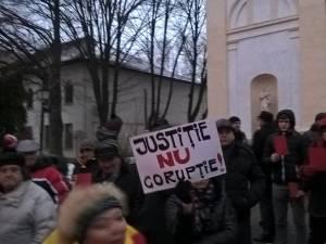 Protest cu aproximativ 200 de suceveni, împotriva graţierii