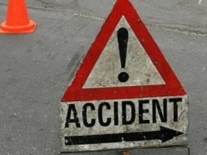 O şoferiţă preocupată de telefonul mobil a provocat un accident rutier