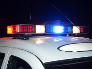 Dosare penale pe numele a doi tineri care s-au urcat la volan fără a avea permis
