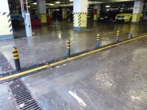 Inundaţii în bazar şi în parcarea subterană din centrul Sucevei