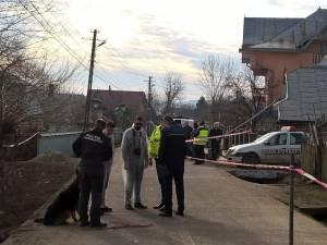 Poliţiştii au adus un câine de urmă