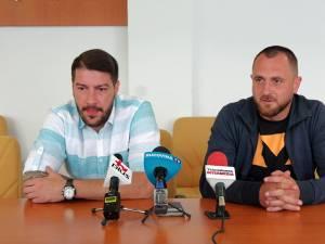 Pivotul Bogdan Şoldănescu şi antrenorul Adrian Chiruţ