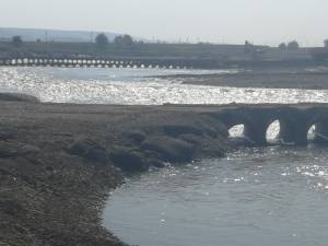 Circulație reluată pe poduri provizorii, la Milișăuți
