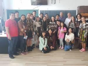 Profesori și studenți de la trei universități din Thailanda, la Şcoala Ciocăneşti
