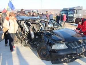 Sucevenii au scris pe maşini distruse în accidente mortale scrisori către Guvern prin care solicită autostradă