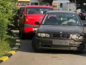 Două mașini s-au ciocnit pe Calea Obcinilor din Suceava