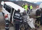 Accident grav la intrarea în Câmpulung, după ciocnirea a două microbuze