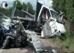 Accident cu un mort şi patru răniţi pe drumul european dintre Suceava şi Siret