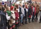 30 de tineri din Băneşti au colindat şi urat redacţia Monitorului de Suceava
